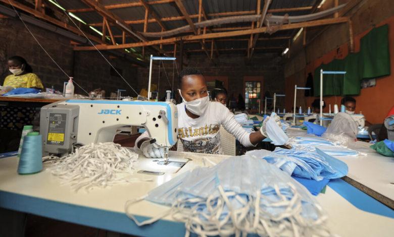 CAMEROUN: LA CICAM LIVRE SA PREMIÈRE CARGAISON DE MASQUES EN TISSU CE JOUR