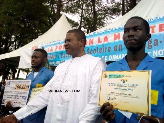 CAMEROUN : le ministre ngalle bibeye promeut l'éducation des jeunes défavorisés dans la sanga maritime.