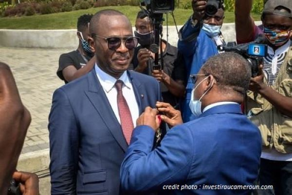 "CAMEROUN : LE ""DOUALA GRAND MALL"", CETTE FIERTÉ NATIONALE."