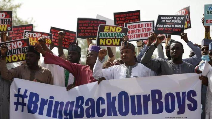NIGÉRIA : L'ARMÉE LIBÈRE PLUS DE 300 LYCÉENS ENLEVÉS À KATSINA.
