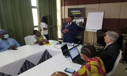CAMEROUN – CHAN 2020 : MARTIN CAMUS MIMB POUR LE RECYCLAGE DES COMMENTATEURS DE LA CRTV.