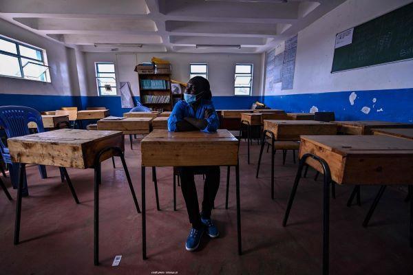"""KENYA : JOUR DE REPRISE DES CLASSES, APRÈS UNE ANNÉE """"PERDUE""""."""