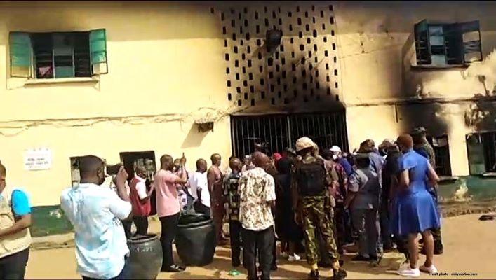 NIGÉRIA : UNE PRISON ATTAQUÉE,  PLUS DE 1800 PRISONNIERS LIBÉRÉS.