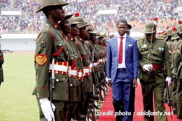 ZAMBIE : LE CHEF DE L'ÉTAT S'ÉCROULE EN PLEINE CÉRÉMONIE OFFICIELLE.