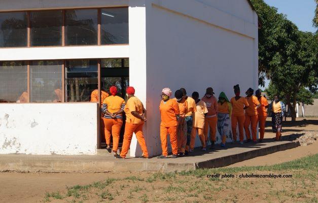 MOZAMBIQUE : DES DÉTENUES CONTRAINTES À LA PROSTITUTION DANS UN PÉNITENCIER POUR FEMMES.