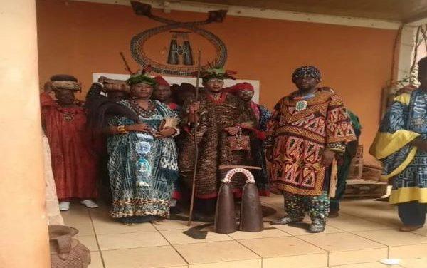 CAMEROUN – NABIL MBOMBO NJOYA : LE ROI EST MORT, VIVE LE ROI !